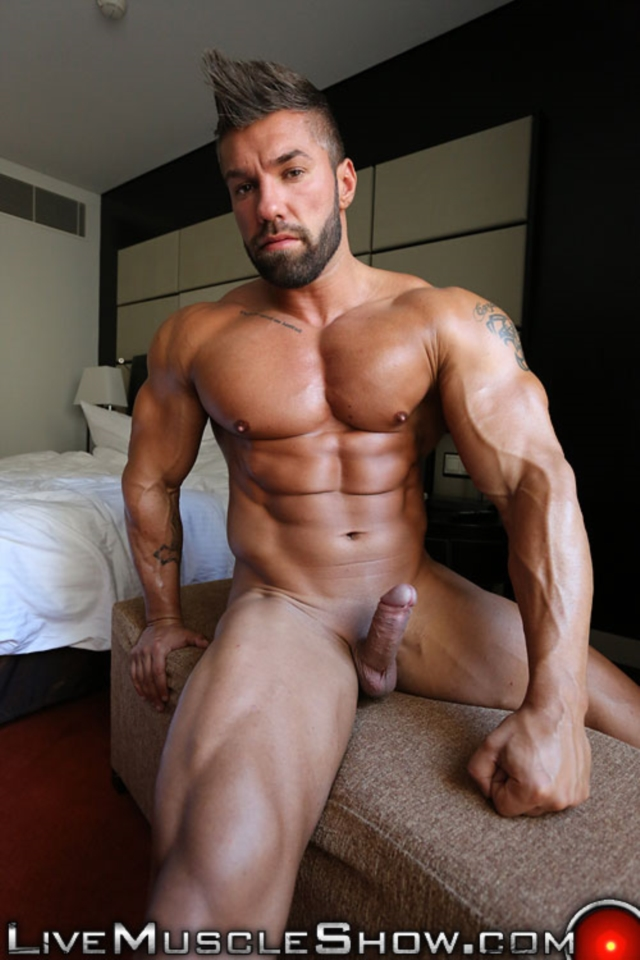 Lucas-Diangelo-Live-Muscle-Show-Gay-Naked-Bodybuilder-nude-bodybuilders-gay-muscles-muscled-gay-sex-photo11-gallery-video-photo