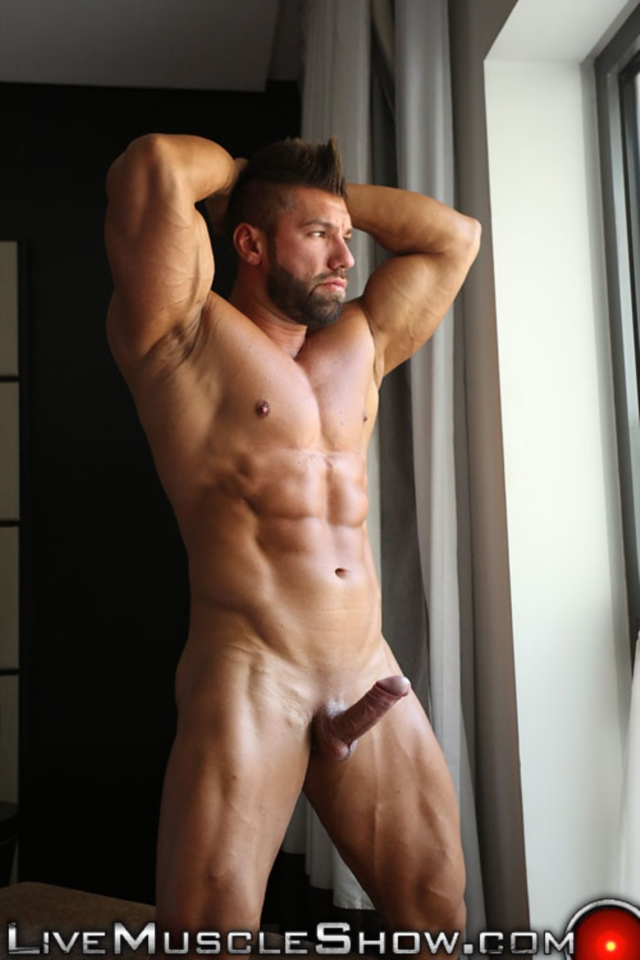Lucas-Diangelo-Live-Muscle-Show-Gay-Naked-Bodybuilder-nude-bodybuilders-gay-muscles-muscled-gay-sex-photo12-gallery-video-photo