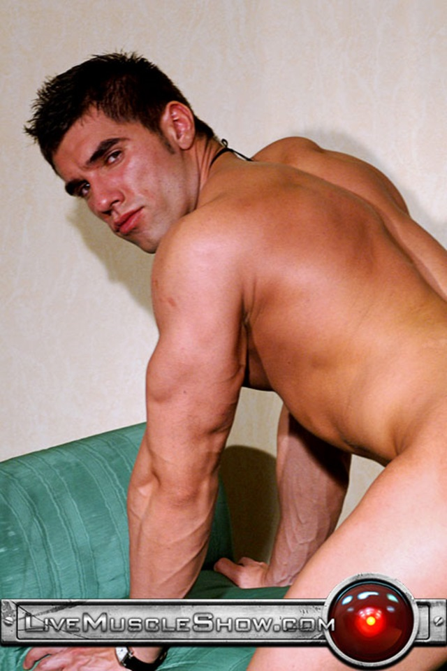 Lucas-Diangelo-Live-Muscle-Show-Gay-Porn-Naked-Bodybuilder-nude-bodybuilders-gay-fuck-muscles-big-muscle-men-gay-sex-007-gallery-video-photo