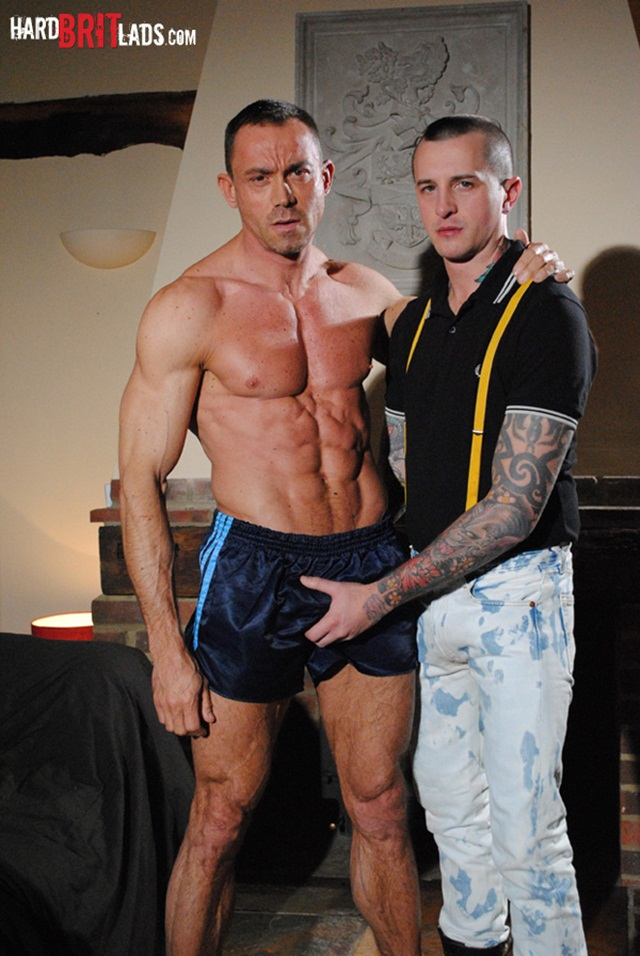 slave bodybuilder hard brit lads hardbritlads dan jensen simon layton 001 photo1 - Hard Brit Lads: Bodybuilder Simon Layton and slave Dan Jensen sleazy ass fuck