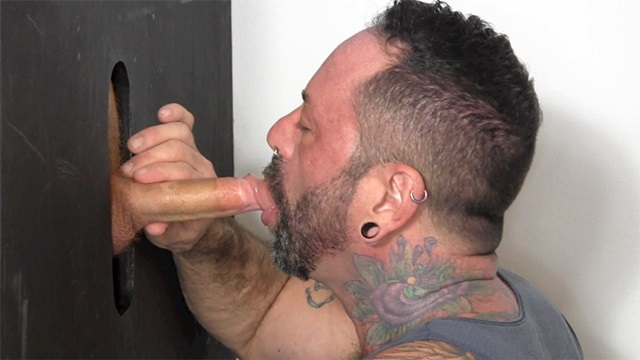 Straight-Fraternity-Scrappy-shoots-huge-load-Franco-mouth-009-male-tube-red-tube-gallery-photo