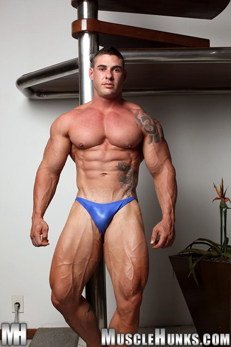 muscle men 2 muscle hunks  Brian Gunns
