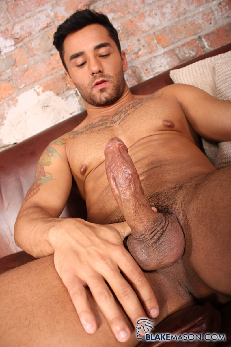 BlakeMason-Gorgeous-Brazilian-muscle-hunk-Bruno-Bernal-big-uncut-dick-sexual-experience-wanking-cumshot-solo-action-004-tube-download-torrent-gallery-sexpics-photo
