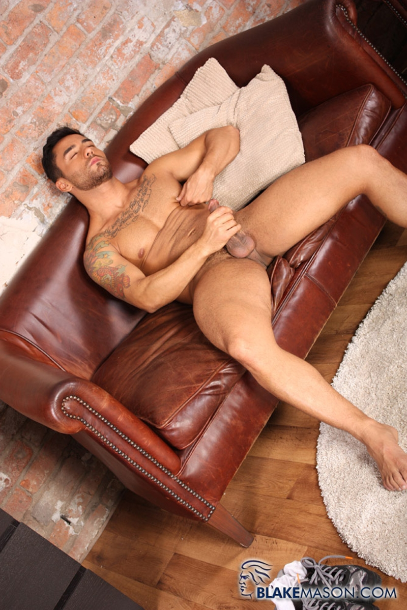 BlakeMason-Gorgeous-Brazilian-muscle-hunk-Bruno-Bernal-big-uncut-dick-sexual-experience-wanking-cumshot-solo-action-009-tube-download-torrent-gallery-sexpics-photo