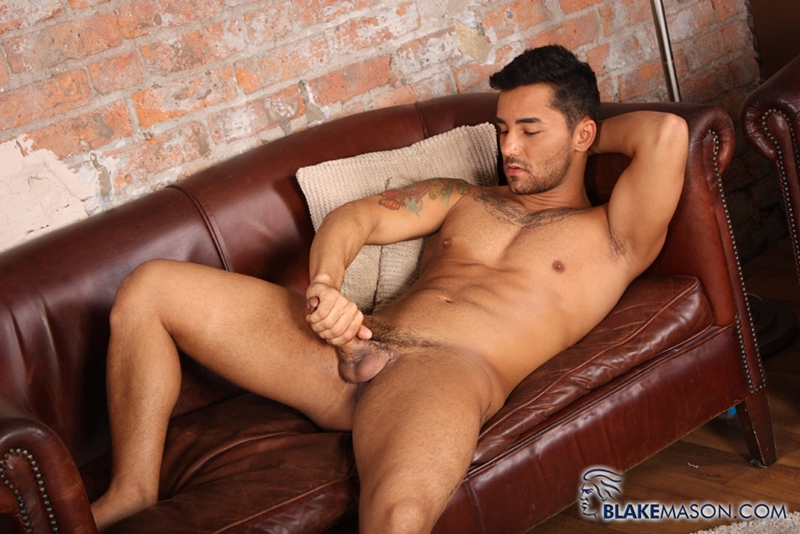 BlakeMason-Gorgeous-Brazilian-muscle-hunk-Bruno-Bernal-big-uncut-dick-sexual-experience-wanking-cumshot-solo-action-012-tube-download-torrent-gallery-sexpics-photo