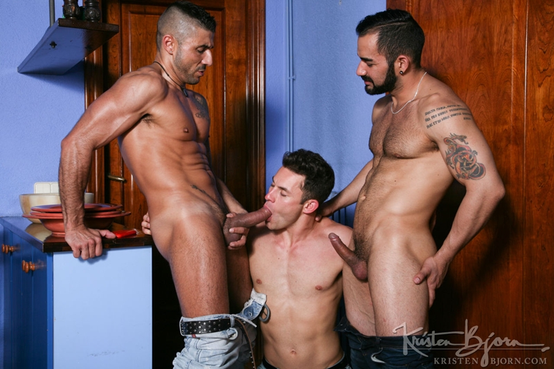 KristenBjorn-Max-Toro-Angle-Lobo-tag-team-James-Castle-bareback-fucking-rimming-cocksucking-raw-asshole-big-cock-004-tube-download-torrent-gallery-sexpics-photo