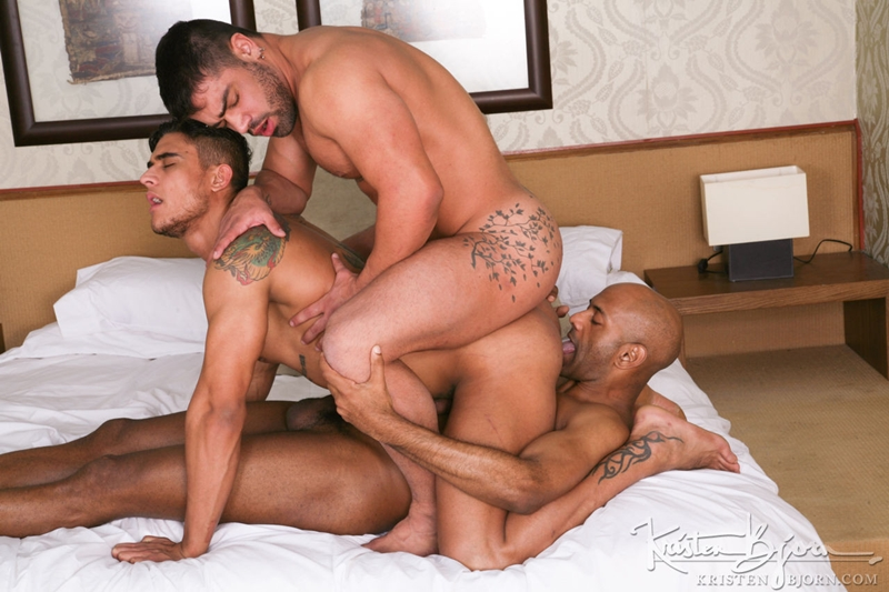 KristenBjorn-William-Bravo-Wagner-Vittoria-big-cock-asshole-Diego-Lauzen-fucking-rimming-cockcucker-balls-feeds-load-014-tube-download-torrent-gallery-sexpics-photo