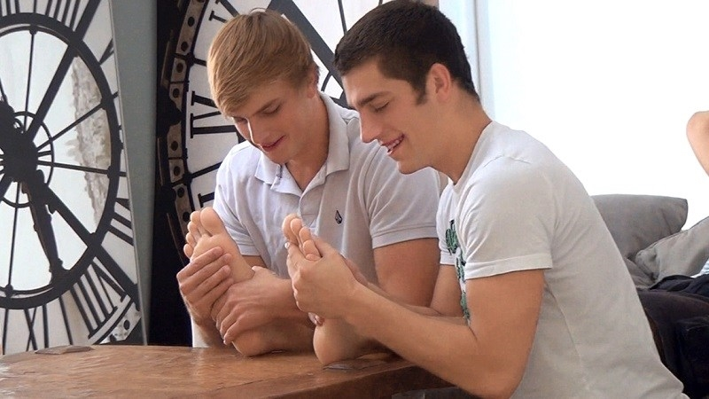 BelamiOnline-hot-boy-threesome-sexy-Belamiboys-sexy-hung-star-Mick-Lovell-sexy-partners-fucked-bareback-Colin-Hewitt-Ariel-Vanean-004-gay-porn-video-porno-nude-movies-pics-porn-star-sex-photo