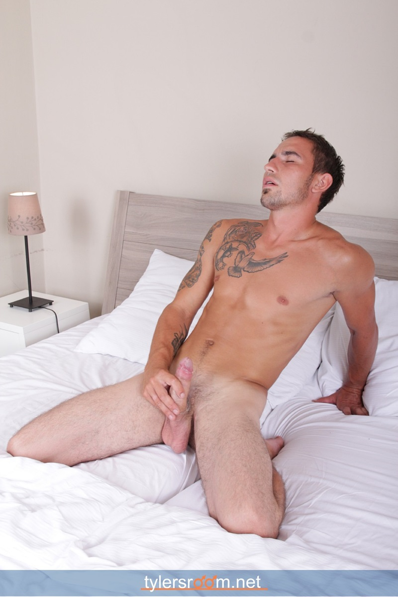 TylersRoom-naked-young-man-Sexy-27-year-old-Chris-Reed-tattooed-ripped-toned-body-big-uncut-cock-jerking-muscle-hunk-15-gay-porn-star-sex-video-gallery-photo