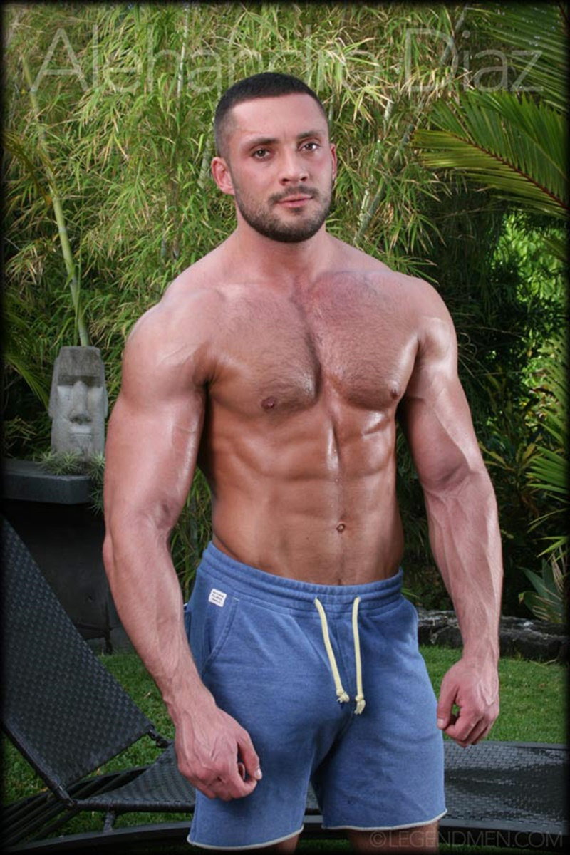 legendmen-tanned-naked-big-muscle-hunk-bodybuilder-alehandro-diaz-jerk-massive-9-inch-uncut-dick-cumshot-orgasm-big-arms-legs-001-gay-porn-sex-gallery-pics-video-photo