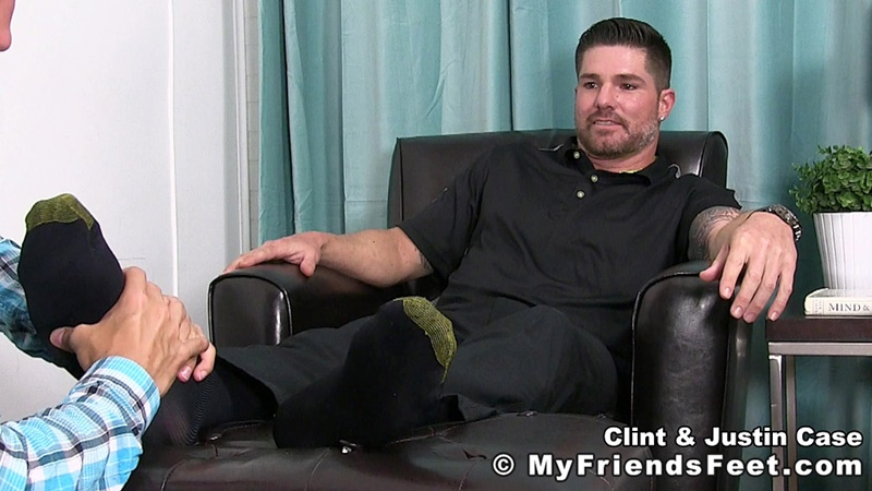 myfriendsfeet-foot-fetish-young-guys-socks-justin-case-clint-bare-foot-worshiping-huge-size-13-shoes-feet-fetishist-003-gay-porn-sex-gallery-pics-video-photo