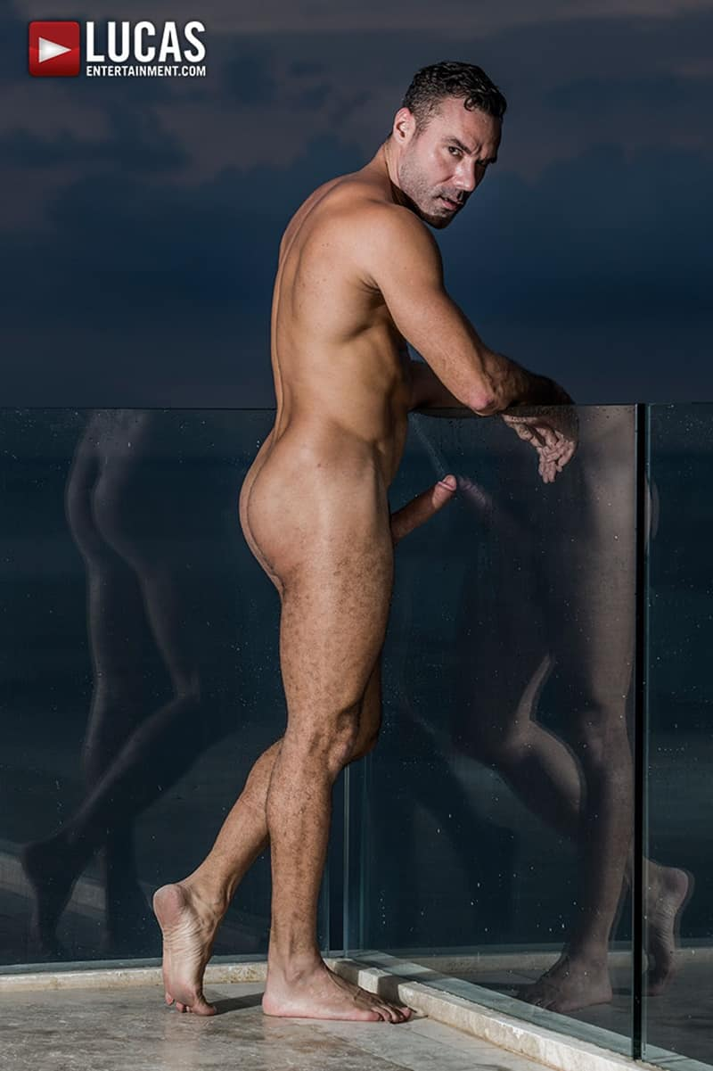 Naked big dick pics