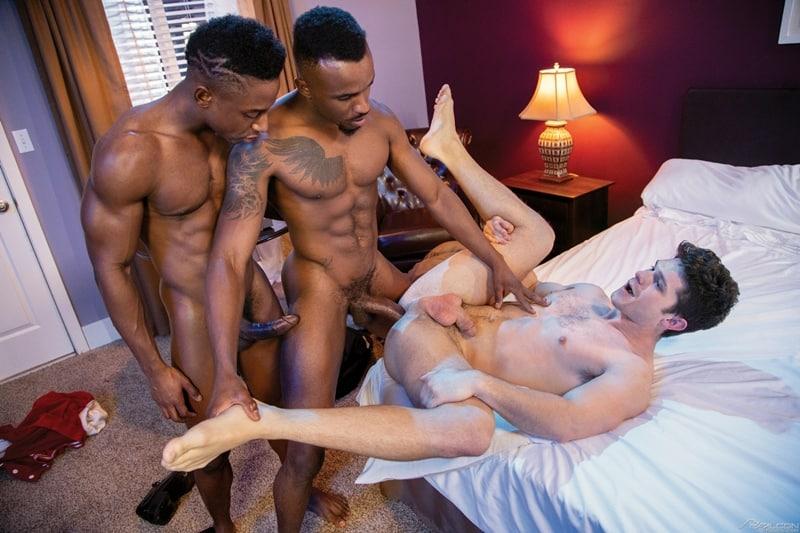 FalconStudios-Pheonix-Fellington-Liam-Cyber-bareback-fucking-Devin-Franco-hot-raw-ass-hole-014-Gay-Porn-Pics