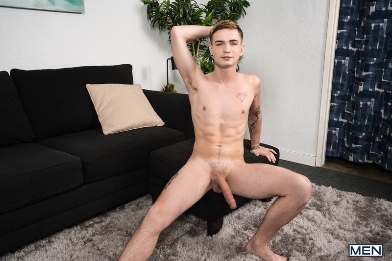 Men-Cassidy-Clyde-deep-throats-Jake-Porter-huge-cock-full-length-ass-007-gay-porn-pictures-gallery