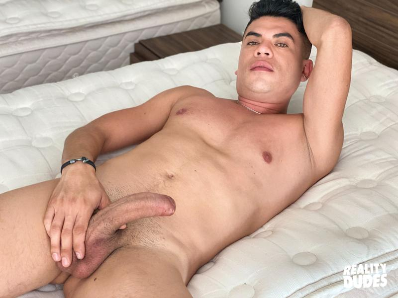 Reality Dudes Saul first time sucking cock virgin ass barefucked huge dick 0 image gay porn - Reality Dudes Saul first time sucking cock virgin ass barefucked by a huge dick